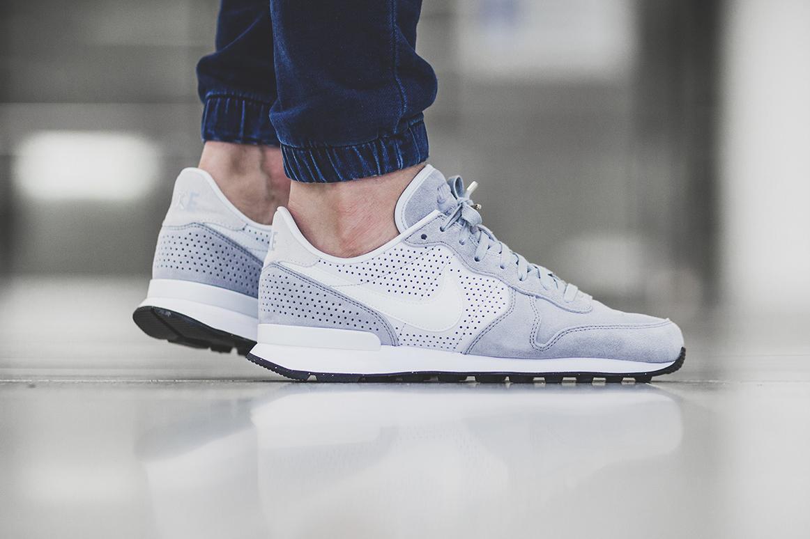 "Nike Internationalist LX ""Wolf Grey"""