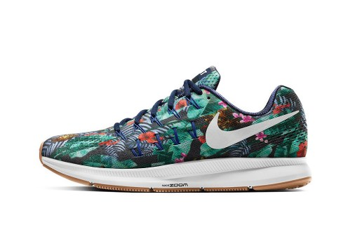 NIKEiD Welcomes Floral Patterns to the Air Zoom Pegasus 33 Silhouette