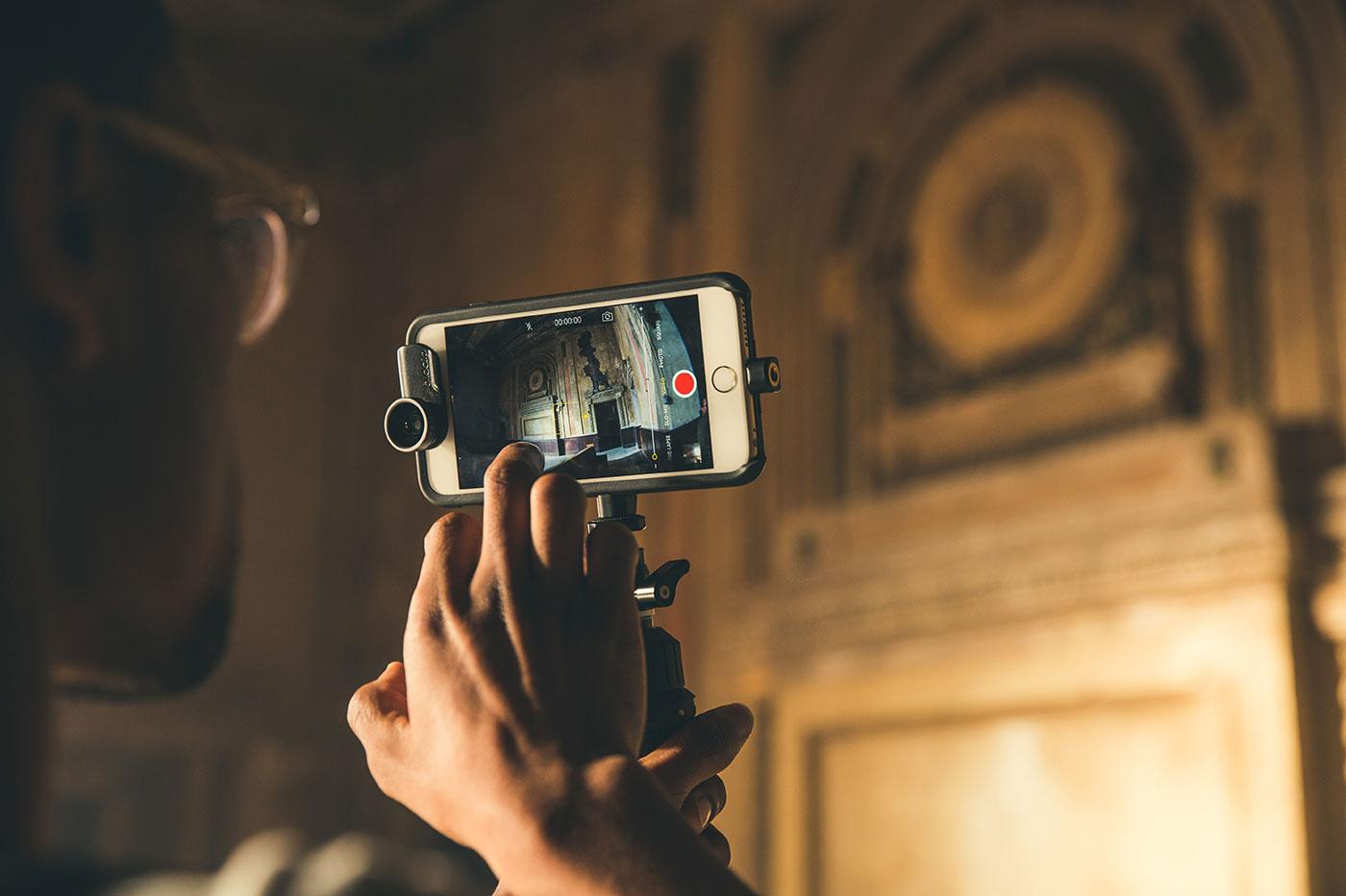 OtterBox Universe Casing Modular untuk iPhone