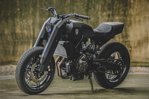 "Rough Crafts Presents a Bold ""Onyx Blade"" Yamaha MT-07 Custom"