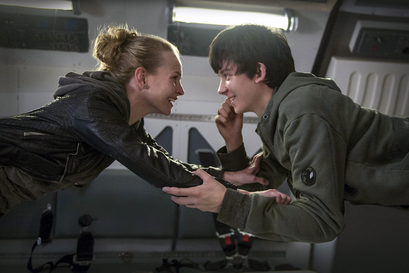 Watch the First Trailer of 'The Space Between Us'