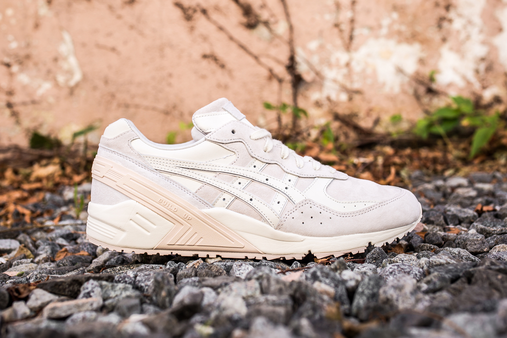 """ASICS Adds the GEL-Sight to Its Summer-Ready """"Blush"""" Pack"""