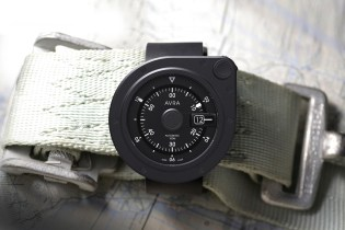 The AVRA 1-Hundred Watch Wraps a Second Display Around Its Bezel