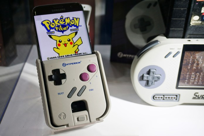 This Device Will Turn Any Android Phone Into a Fully Functional Game Boy