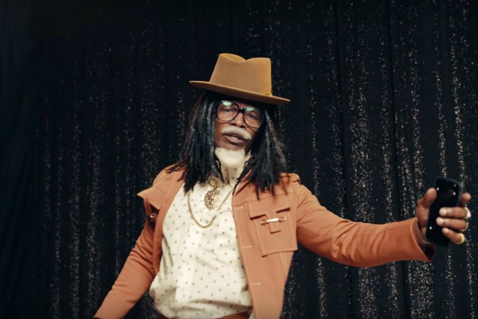 "Jamie Foxx Plays Future's Father ""Past"" in New Verizon Commercial"