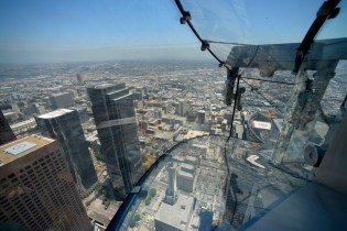This Terrifying Glass Slide in Los Angeles Sits 1,000 Feet up a Skyscraper