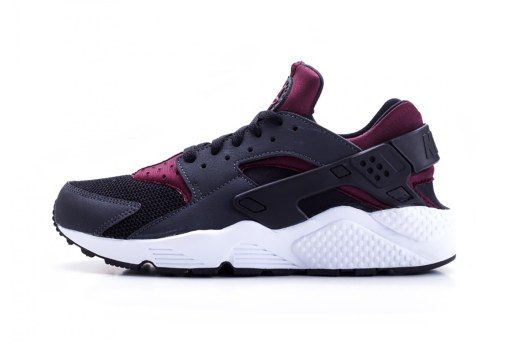 "The Nike Air Huarache Returns in ""Night Maroon"""