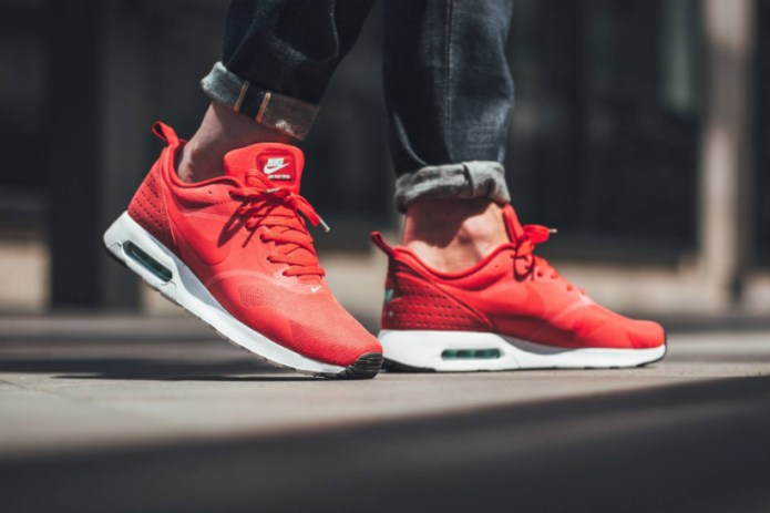 Nike Air Max Tavas Drops in Fiery Action Red