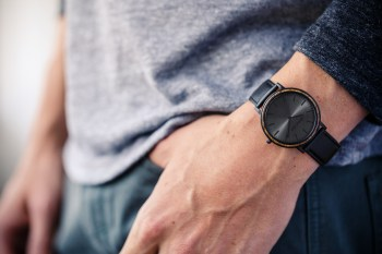 The Minimalist Watch Collection by Original Grain Is Designed With the World's Thinnest Wood Bezel