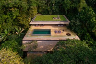 The Rainforest House Is a Fortress of Solitude in the Brazilian Jungle