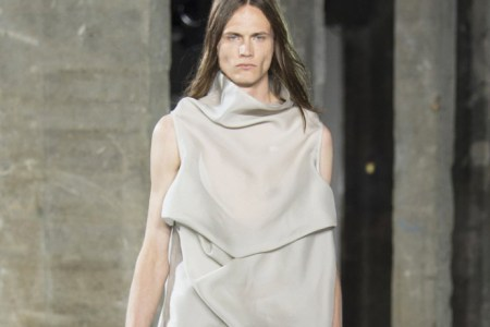 Rick Owens Experiments With Draping Styles for 2017 Spring/Summer Collection