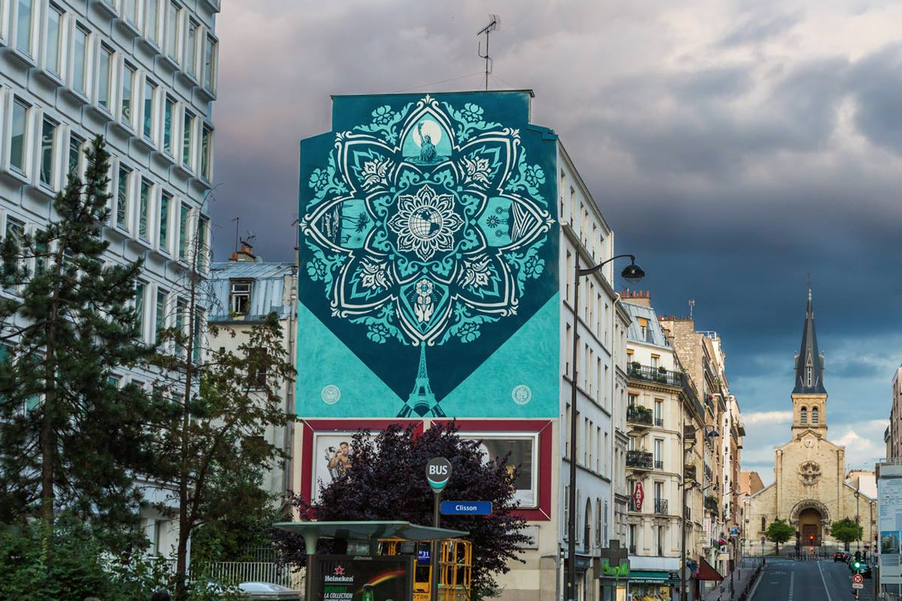 """Shepard Fairey Unveils Second Installation in Paris for """"Earth Crisis"""" Series"""