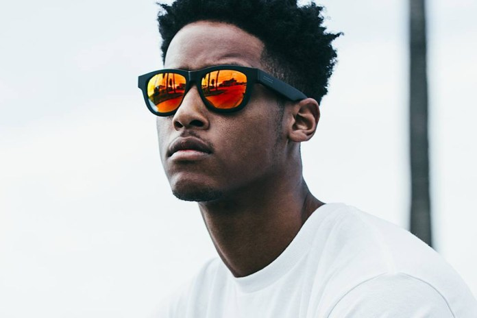 These Sunglasses Cleverly Disguise a Pair of Bone-Conducting Speakers