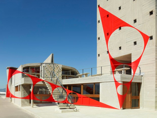 Felice Varini Covers This French Modernist Building in Illusory Murals