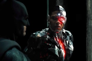 Batman Does Some Serious Recruiting in the First Trailer of 'Justice League'