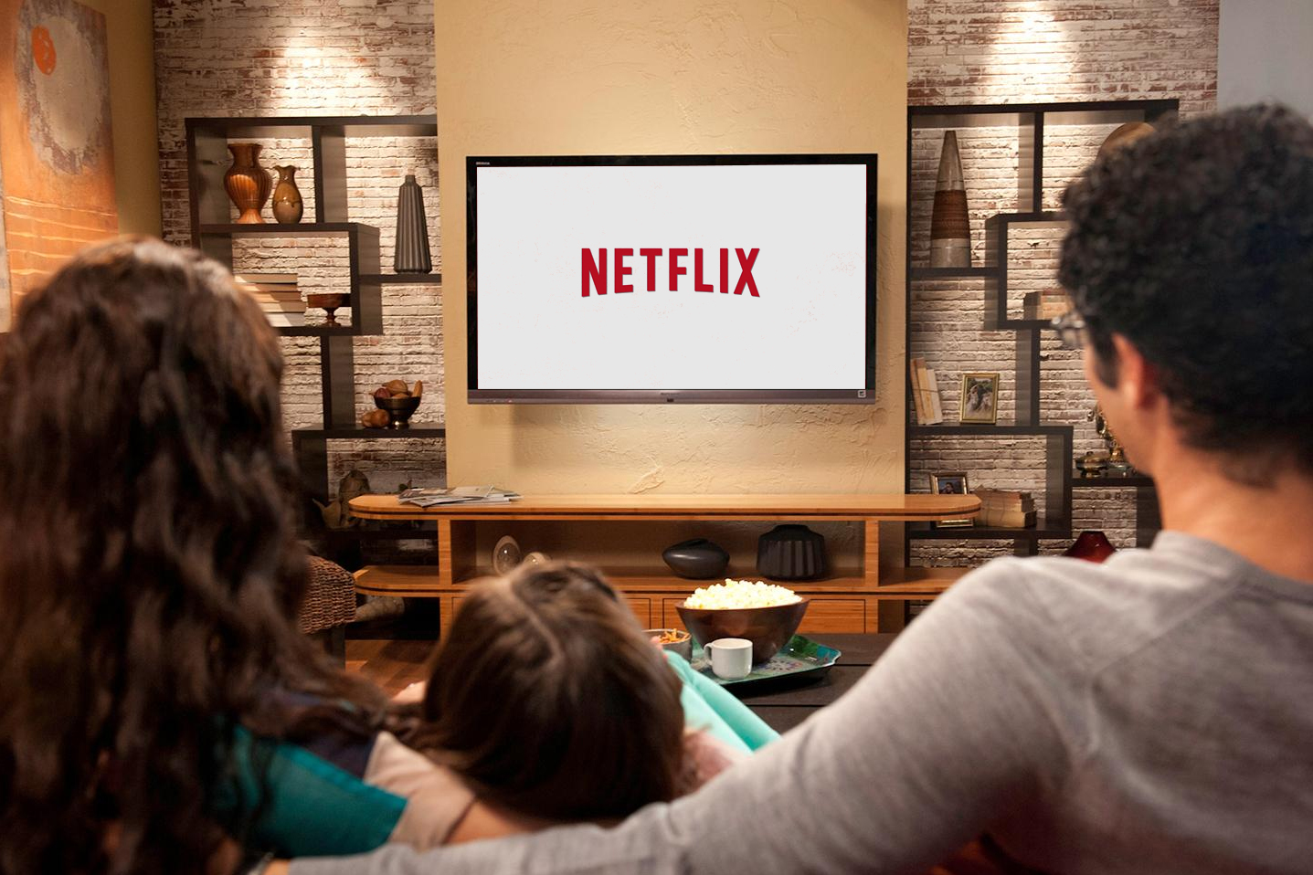 Netflix Signs With Comcast to Bring Streaming to Cable TV