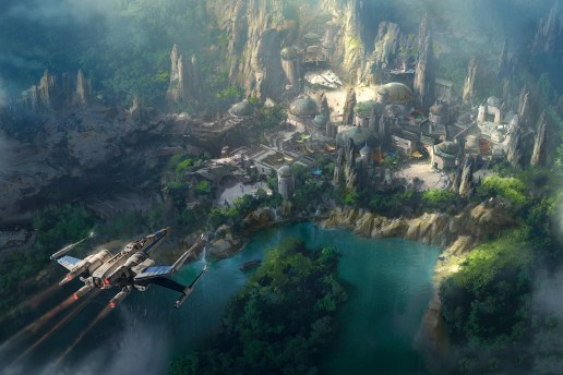 This New Look at Disneyland's 'Star Wars Land' Will Make Fanboys Rejoice