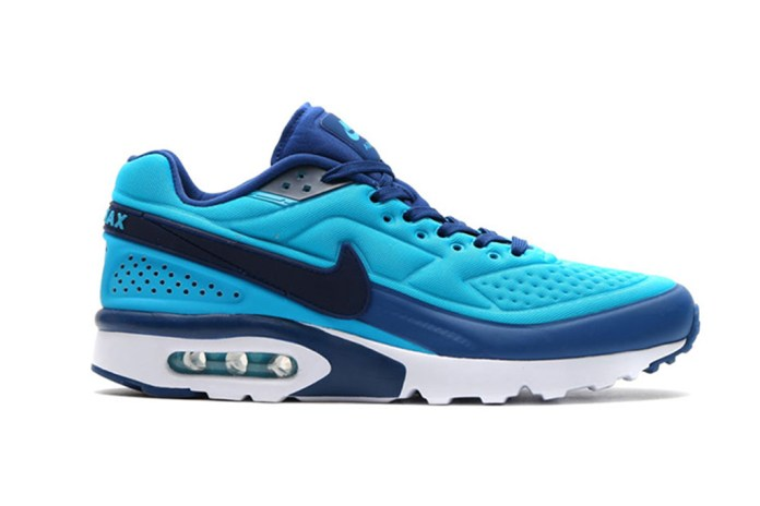 "Nike Air Classic BW Ultra SE Gets the ""Coastal Blue"" Treatment"
