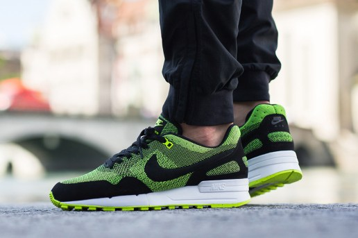 Nike Air Pegasus '89 Gets a Volt Green Jacquard Upgrade
