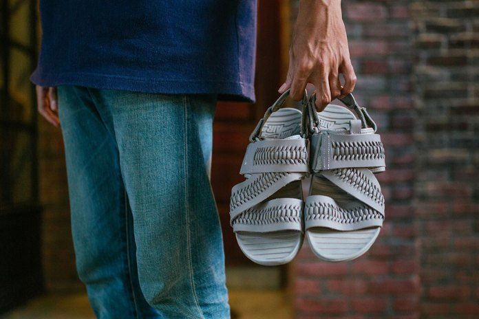 Nike Debuts a Range of Woven Air Solarsoft Zigzag Sandals