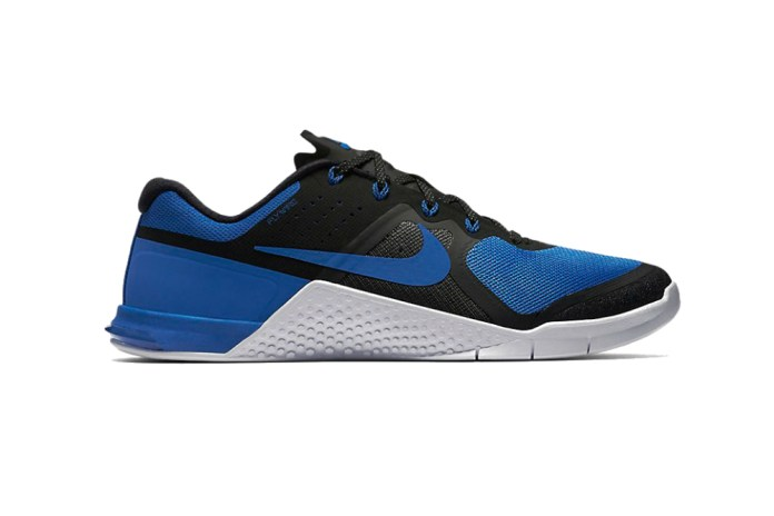 """Nike Metcon 2 Gets the """"Royal"""" Treatment"""