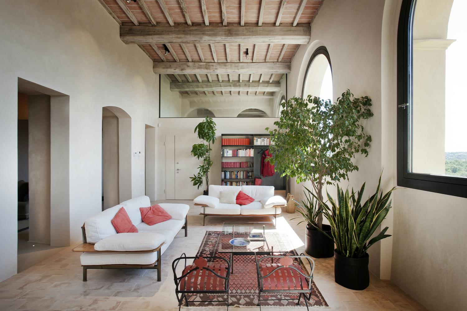 This Tuscan Farm Villa Is the Perfect Retreat From the World