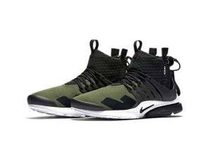 """A First Look at the ACRONYM x Nike Air Presto """"Olive"""""""