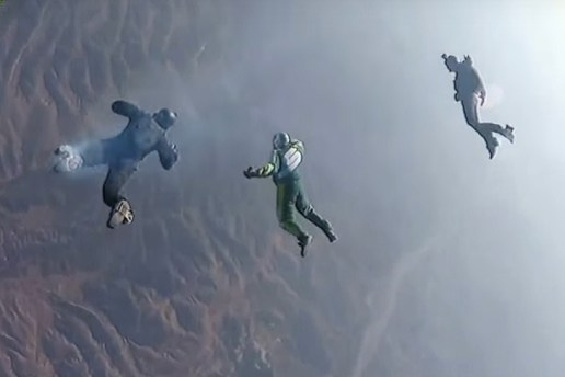 Daredevil Skydiver Survives 25,000-Foot Jump Without a Parachute