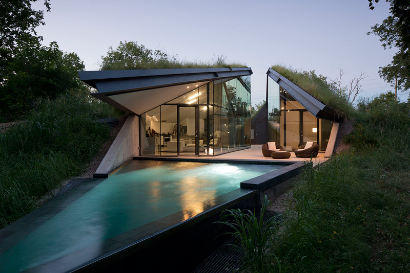 This Ultra Modern Home Sits in a Gap Once Occupied by a Chevron Pipeline