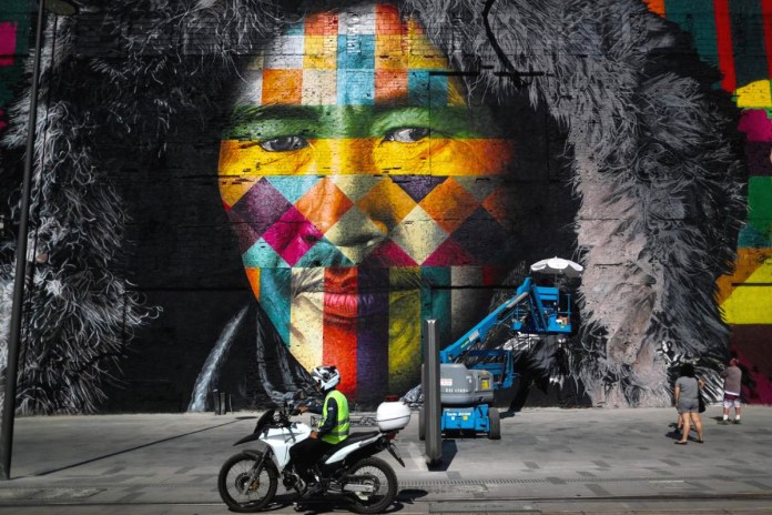 Eduardo Kobra Creates Stunning 3,000 Square Meter Mural for the 2016 Rio Olympics