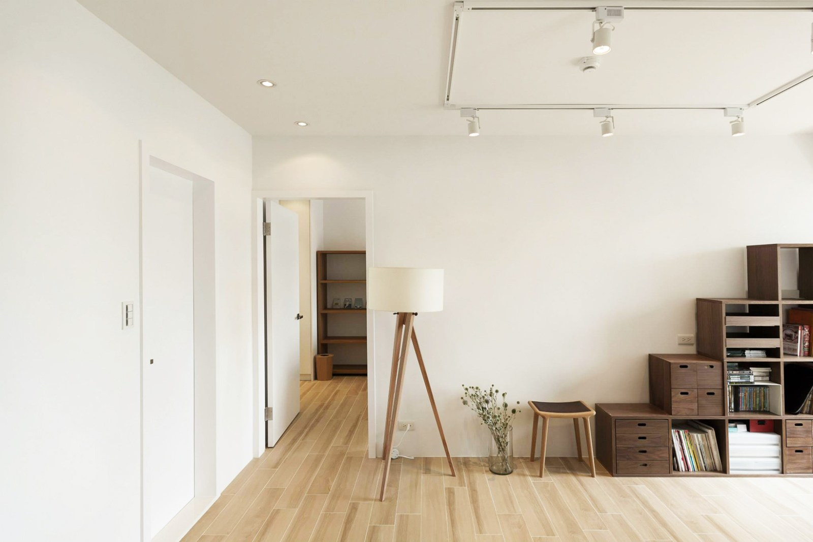 apartment search essay