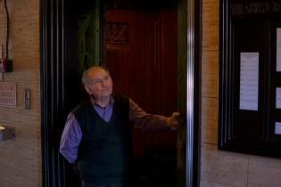 Watch One of Los Angeles's Last Elevator Operators in Action