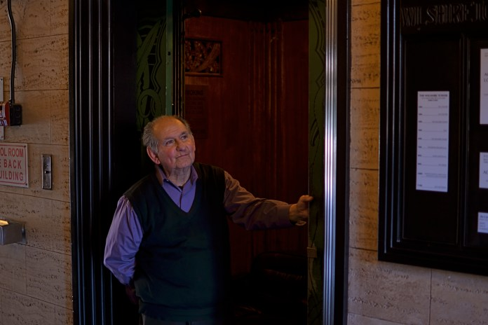Watch One of Los Angeles's Last Elevator Operators in Action