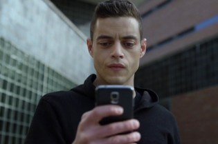 'Mr. Robot's New Mobile Game Exposes the Evils Behind E Corp