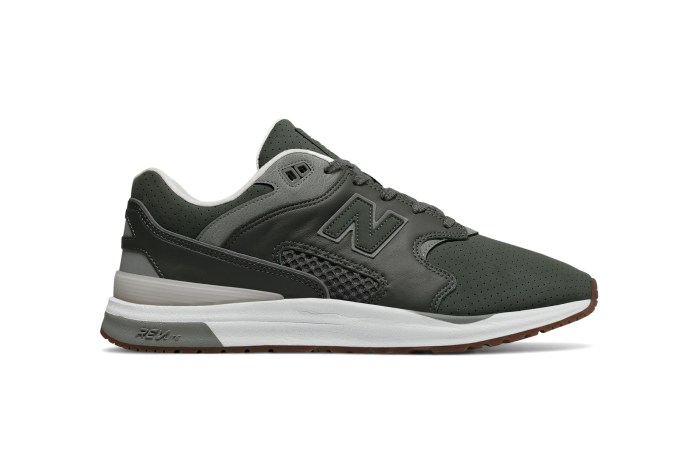 New Balance Wraps the ML1550 in Muted Earth Tones