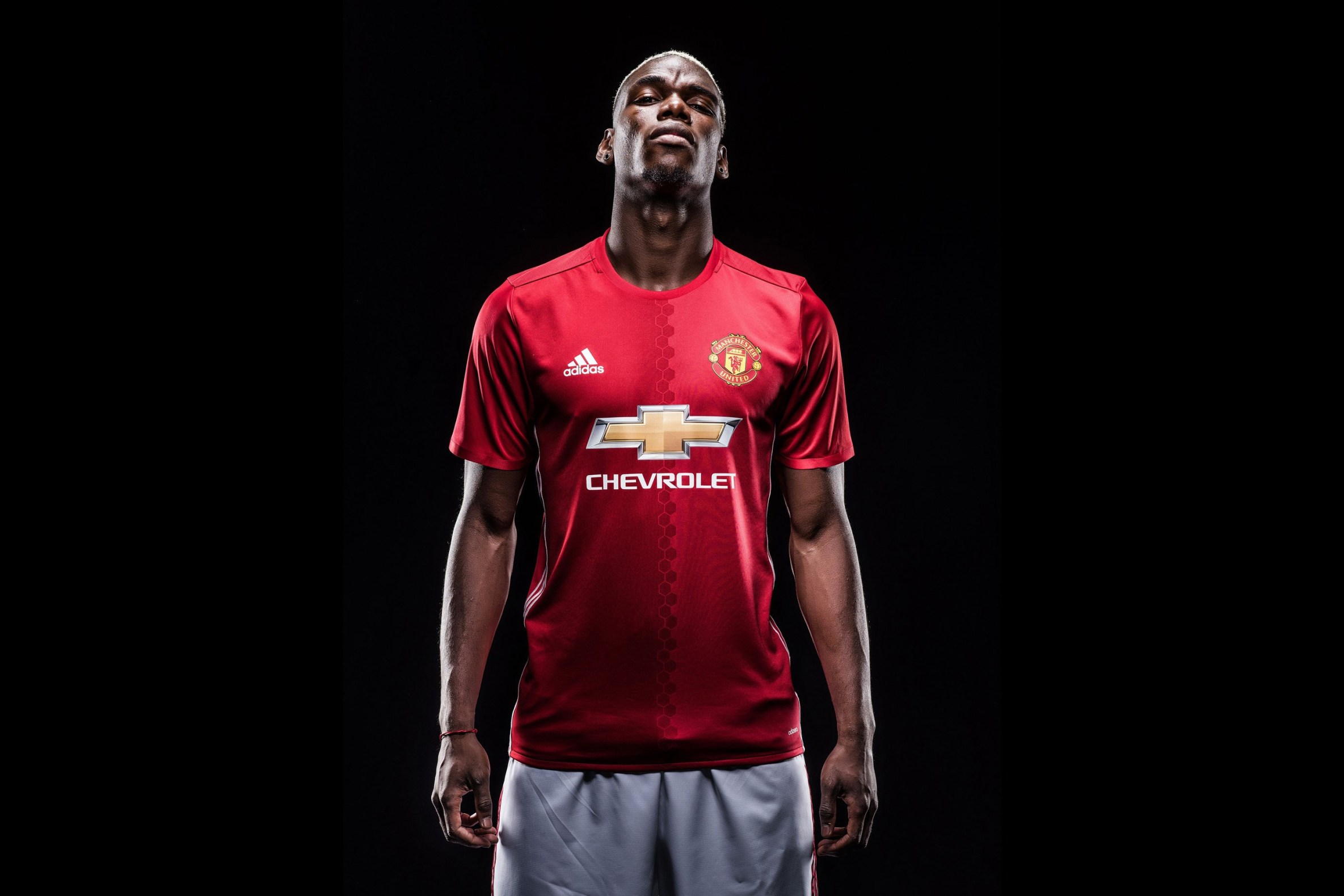 Paul Pogba Seals Record Transfer to Manchester United From Juventus