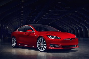 Tesla's Brand New Battery Makes the Model S the Quickest Production Car Available