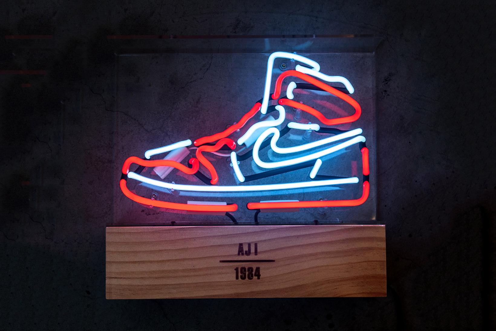 Air Jordan 1 Neon Light
