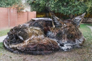 Take a Look at These Animalistic Trash Sculptures Popping up Around the Globe