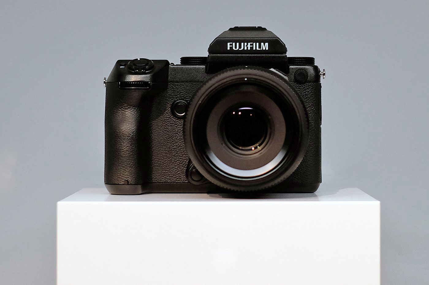 Fujifilm GFX 50S: A Tiny Mirrorless Camera With a Humongous Medium Format Sensor