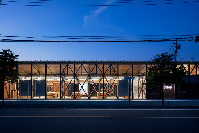 Jo Nagasaka & Schemata Architects Removed the Facade of JINS' Ageo Flagship