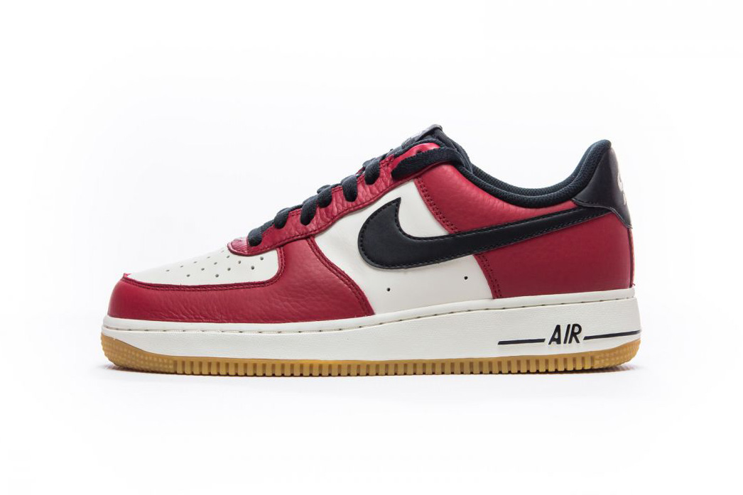 """Nike Gives the Air Force 1 Low a """"Chicago"""" Colorway"""