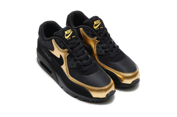 nike air max 90 essential black gold