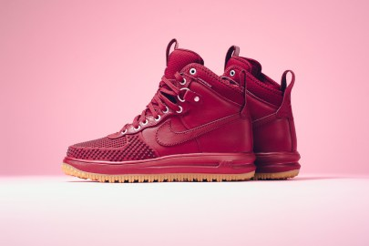 "Paint the Town ""Team Red"" With the Latest Nike Lunar Force 1 Duckboot"
