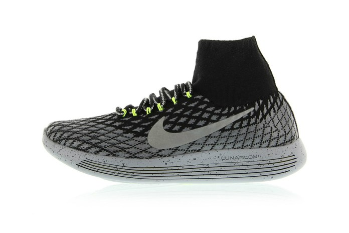 Nike LunarEpic Flyknit Gets Some Reflective Threading and Water-Resistant Treatment