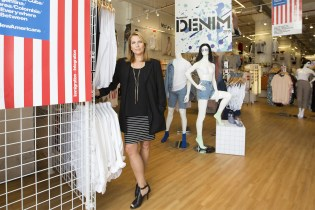 CEO Paula Schneider Stepping Down From American Apparel