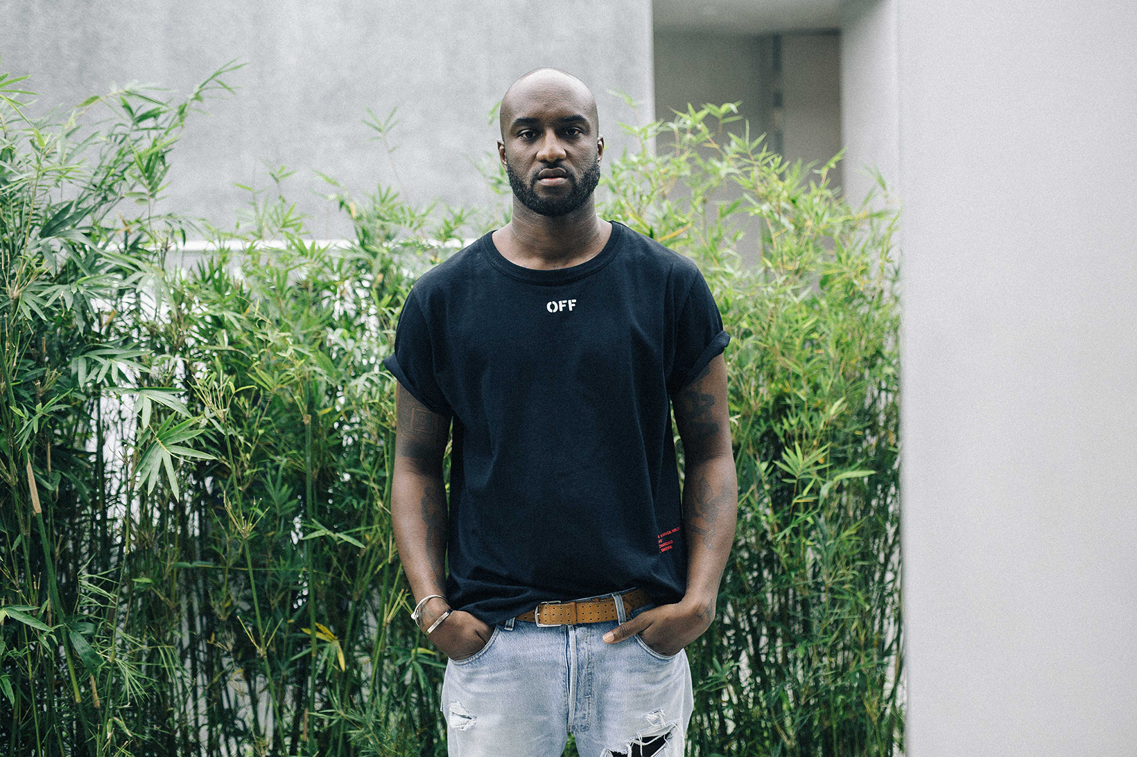 streetsnaps virgil abloh in singapore hypebeast. Black Bedroom Furniture Sets. Home Design Ideas