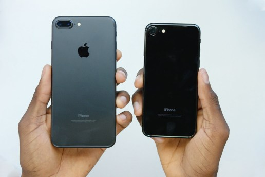Watch This Unboxing of the New iPhone 7: Jet Black vs. Matte Black