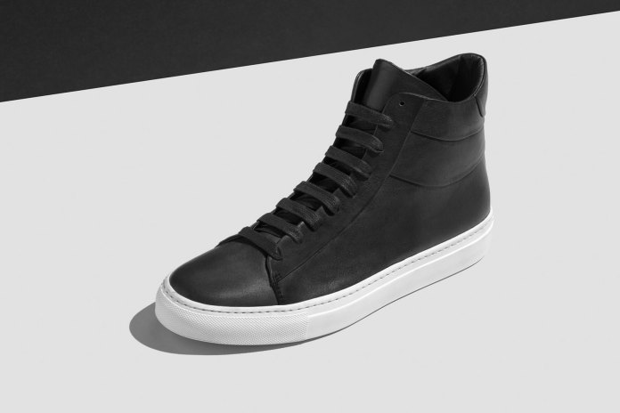 wings+horns Offers a New Crop of Minimalist Shoes for 2016 Fall/Winter