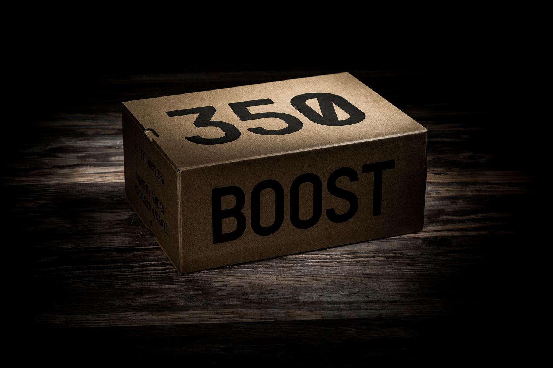 YEEZY Boost 350 V2 SOLAR RED/STEEPLE GRAY/BELUGA - 1319030
